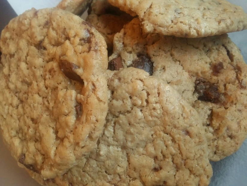 The Perfect Cookie for the Sitter-Downers (PEANUT BUTTER COOKIE RECIPE)
